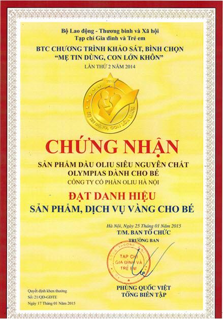hanoli-olympias-baby-nhan-giai-thuong